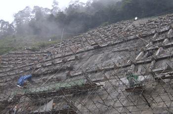 锚杆,锚索框格梁高边坡防护施工技术方案